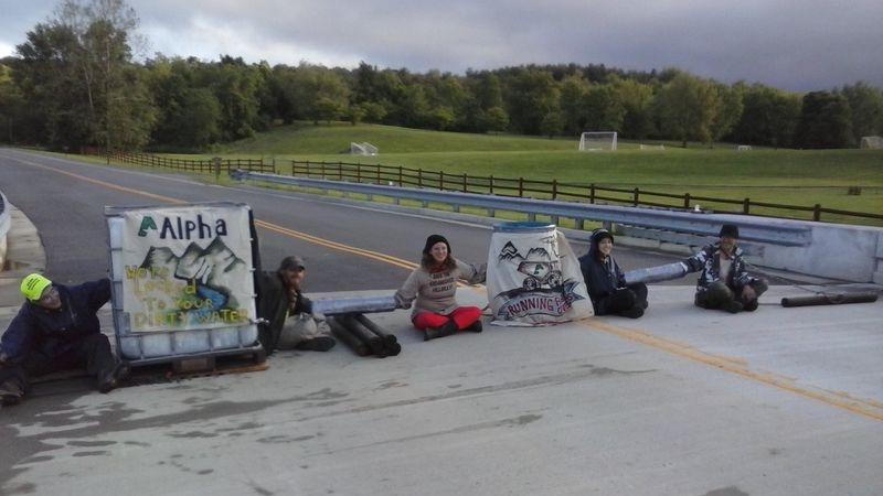 Blockading coal road