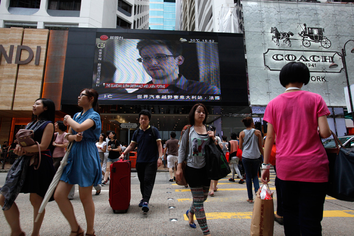 Snowden on tv in China