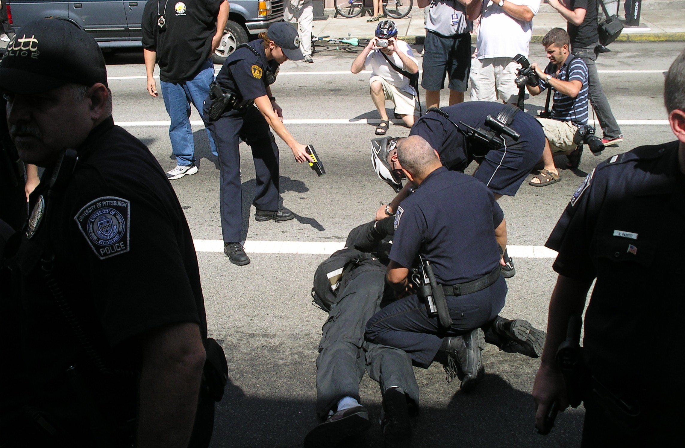 police abuse of discretion Police discretion is a tool used by officers it gives them the ability to utilize the law to the letter or not to enforce it to the letter of the law some say that latitude in decision making by frontline staff is one of the defining characteristics of human service organizations.