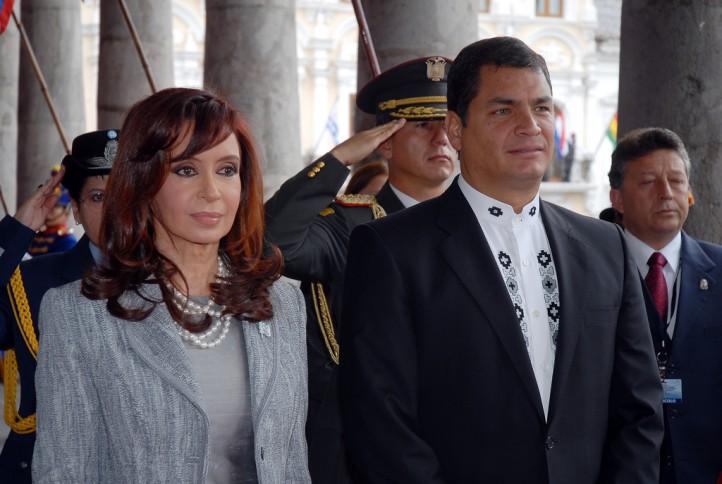 Argentine President Cristina Kirchner with Ecuadoran President Rafael Correa. (Presidencia de la República del Ecuador Flickr)