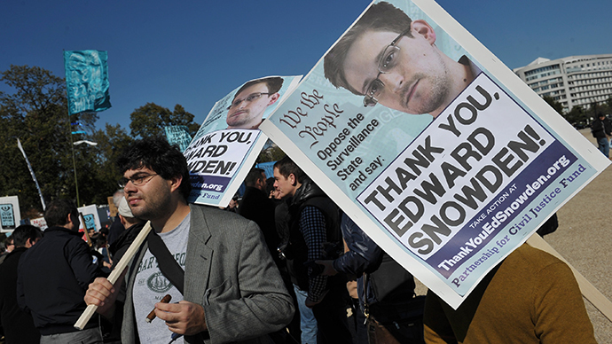 Snowden thank you protesters