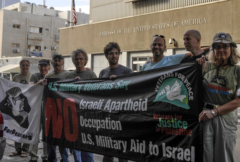 Vets for Peace close down US embassy in Israel