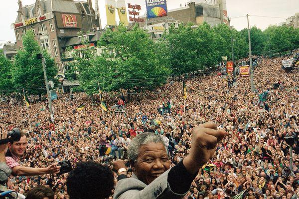 Mandela speaks in Amsterdam 1990 AP