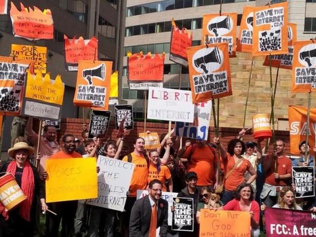 FCC protest 2 5-15-14