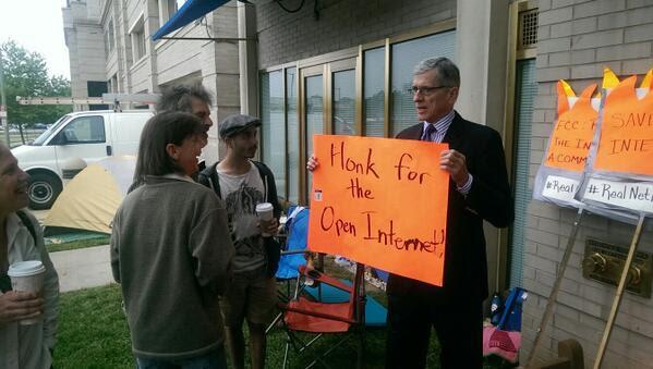 FCC Wheeler holding honk for open Internet sign