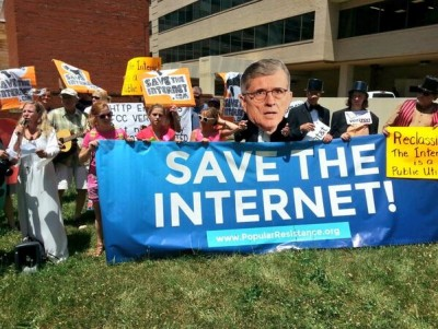 "HArris from the Post Save The Internet, cast of FCC musical ""Which Side Are You On, Tom?"" protest from July 2014"