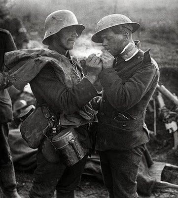 Christmas Truce Many of the soldiers chose to exchange presents, such as cigarettes and plum puddings