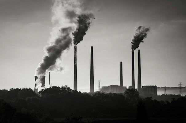 Smoke stacks at a coal-fired power plant near Cincinnati in the US. Photo by Robert S. Donovan