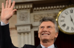 Argentine President Mauricio Macri waves ahead of the opening of a session of the country's Congress in Buenos Aires, March 1, 2016. | Photo: Argentine Presidency
