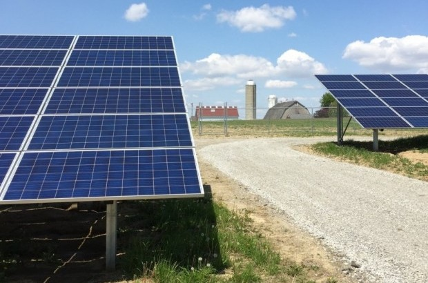 S&C ELECTRIC COMPANY Part of a game-changing 4.2 MW solar + storage system in Minster, Ohio.