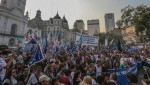 Thousands rallied during the March of Resistance in Buenos Aires | Photo: EFE