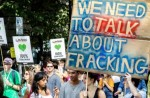 Protesters march against fracking. (Photo: Garry Knight/flickr/cc)
