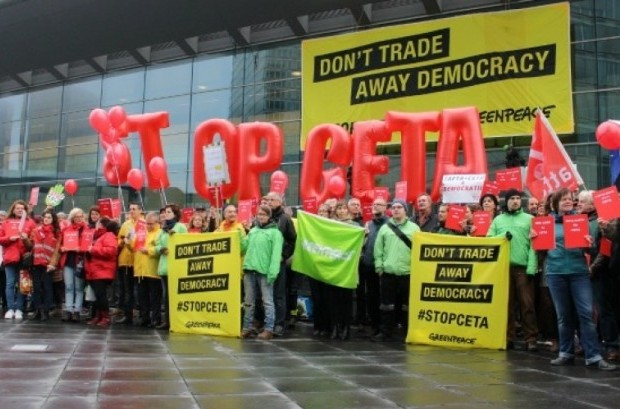 Activists in Luxembourg take part in a rally against the Comprehensive Economic & Trade Agreement (CETA). (Photo: Friends of the Earth Europe/cc/flickr)