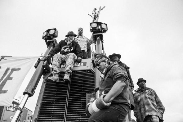 Josué-Rivas-Standing-Rock-Chain-Me-to-the-Pipeline-September-6-2016-954x636