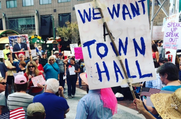 Protesters in Orlando, Florida, are calling on Sen. Marco Rubio (R-Fl.) to hold a town hall for his constituents. (Photo: Orlando 4 Rev/Twitter)