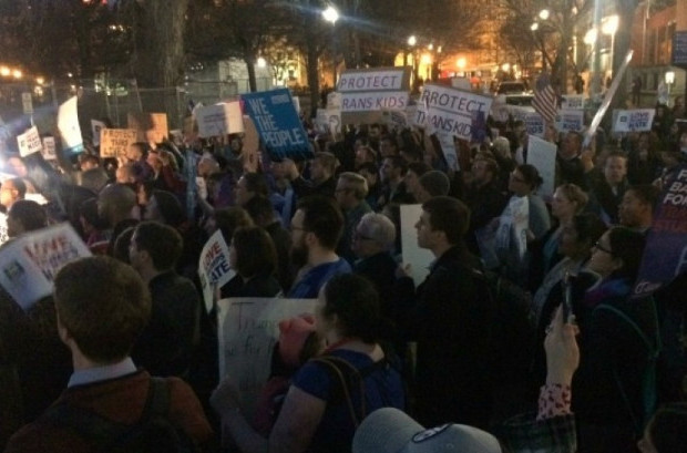 Vowing to defend transgender youth after the Trump administration rescinded protective guidelines, hundreds rallied outside the White House on Wednesday evening. (Photo: The National Center for Transgender Equality/ Twitter)