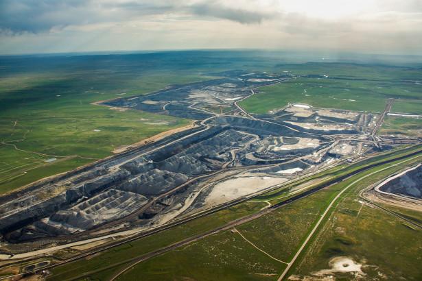 Arch Coal's Black Thunder Mine, Powder River Basin, Wyoming. (PHOTO COURTESY OF ECOFLIGHT)