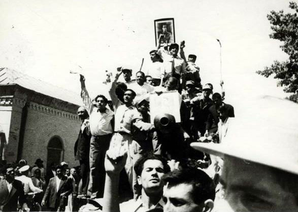 Pro-Shah crowds on streets of Tehran, August 1953.