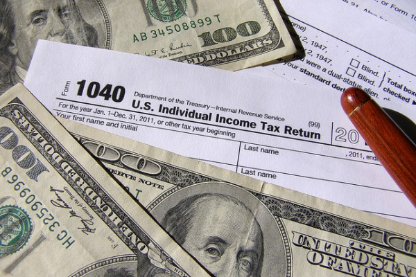 Pizzigati-Income-Tax-Return-Forms-StockMonkeys.com_-600x400