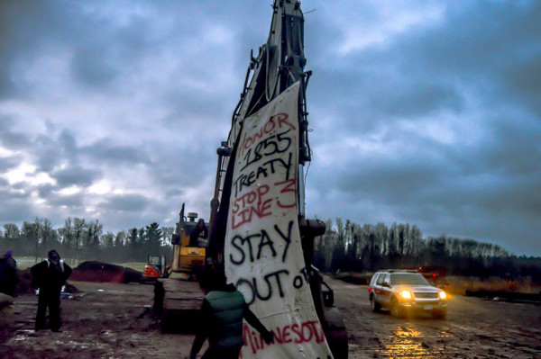 Makwa Initiative Banner: Honor the Treaty, Stay Out of Minnesota, at shut down by Robert Wilson Photography