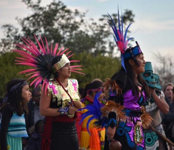 aztec-singers-at-1117-600x518