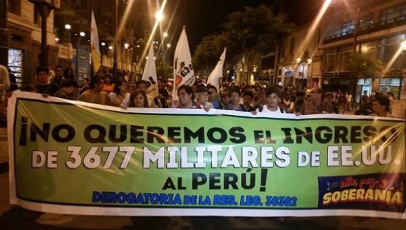 A 2015 march protesting U.S. troop presence in Peru. (Rael Mora/teleSUR)