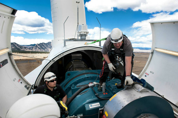 wind-power-jobs_Dennis-Schroeder-NREL