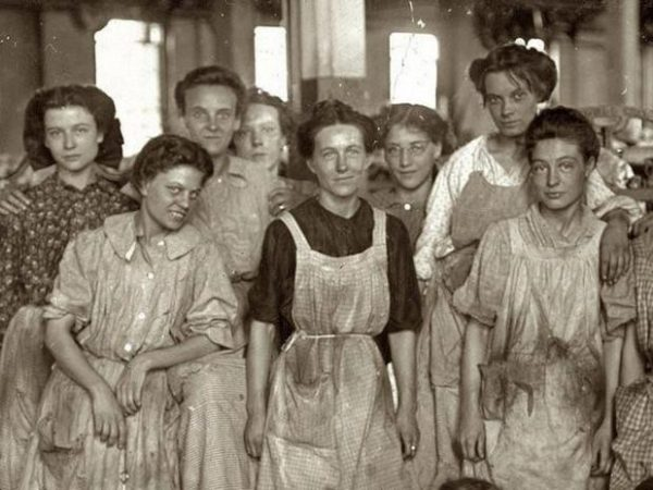 lowell mill girls The at a time when women couldn't vote, the lowell mill girls took a stand and fought to be heard characters mill workers: farriet hanson lucy larcom.