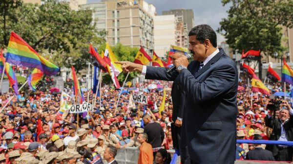 maduro speaking to crowd. source afp e1527511672464