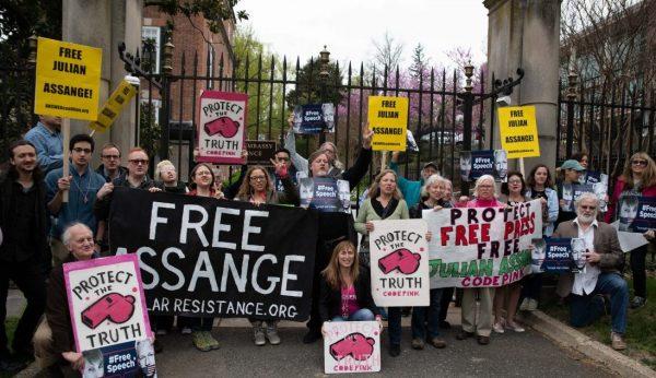 free assange protest outside of british embassy in washington dc. e1555271545600