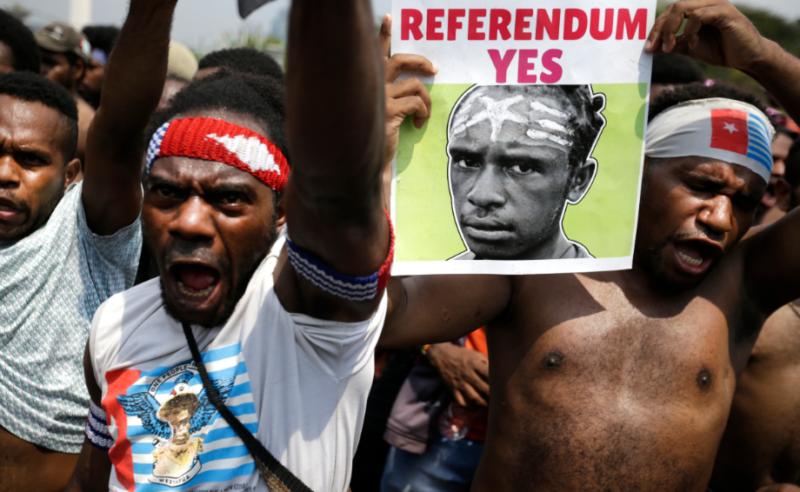 Массовые протесты в Западном Папуа с требованием независимости.