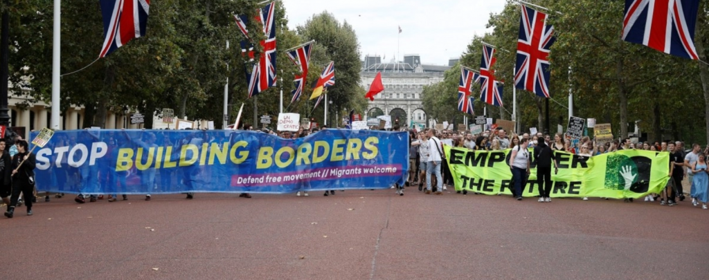 Thousands Protest Buckingham Palace Over Brexit, 'Stop The